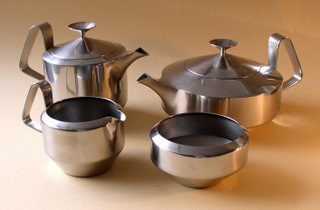 Alveston 4 piece tea set