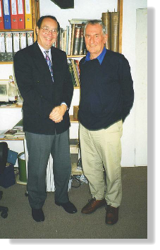 Robert Welch (right) with Nigel Wiggin in 1998